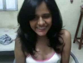 Adorable and Mind blowing Indian school Gal on cam Showcasing her Bosoms
