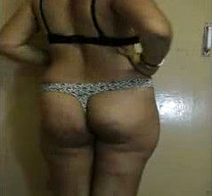 Uber cute And bodacious Desi wifey Flashes her Privates on Web cam