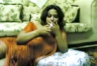 Amateur Indian housewife In Sari was Prepped for a Bit Of missionary Smash