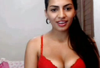 Perfect exotic Indian Call girl Stunner Taunts folks On web cam
