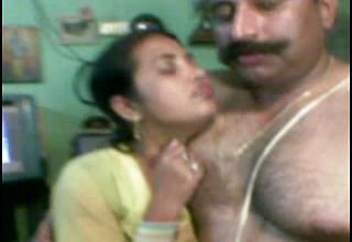 Lush dark Skinned Desi wife Gets beaten From Behind By Spouse