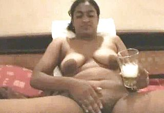 Voluptuous dark Flesh Pakistani Wifey trims Her Coochie on Web cam