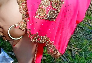 Indian Desi Village Bhabhi Outdoor Fucking